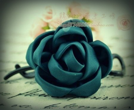 DIY-Easy-Fabric-Roses1.jpg