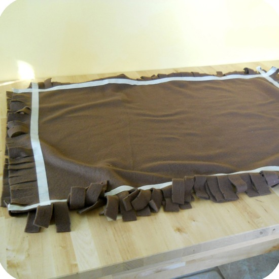 DIY-No-Sew-Dog-Bed-5.jpg
