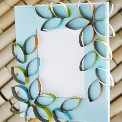 cardboard-petal-picture-frame-craft-photo-420-FF0410CRAFTA09_large.jpg