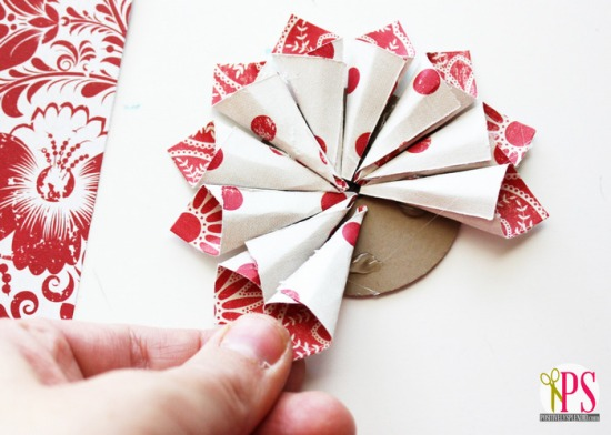 rolled-paper-flower-christmas-ornaments-tutorial-4.jpg