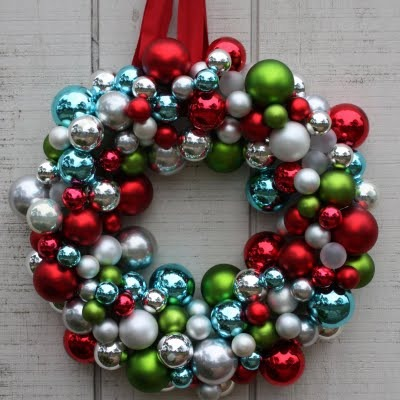 ornament ball wreath 2.jpg