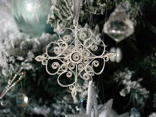 Quilled Snowflake - Reese Dixon.jpg
