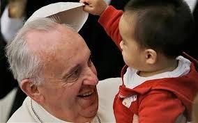 pápa Ferenc pápa cölibátus nemi erőszak gyerekek papok