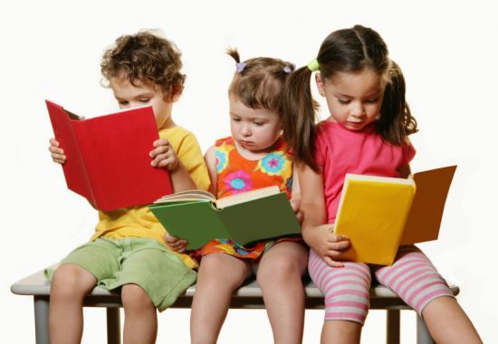 olvasás gyerekek hangos felolvasás nyelvi készségek szülő-gyermek kapcsolat