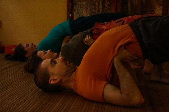 derékfájás hátfájás jóga gyakorlatok jóga oktatás