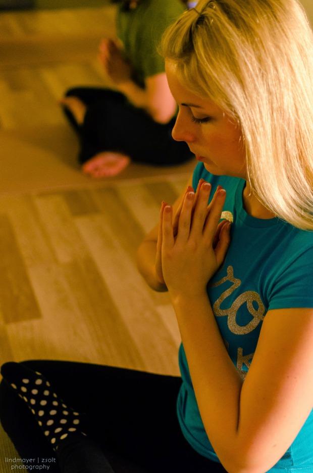 sport jóga relaxáció Földön