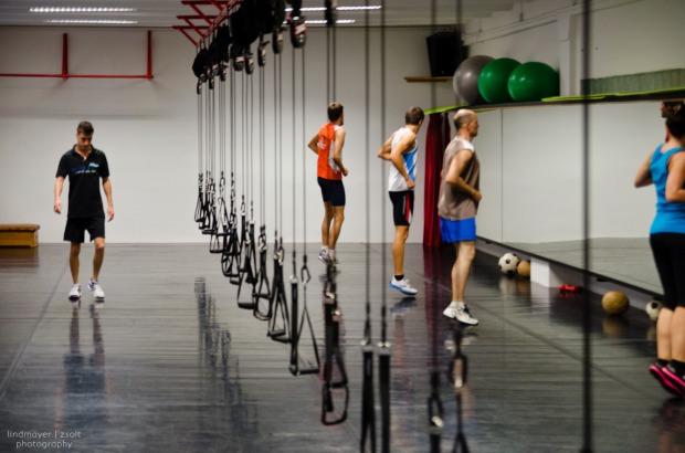 sport kitartás Földön funkcionális_köredzés