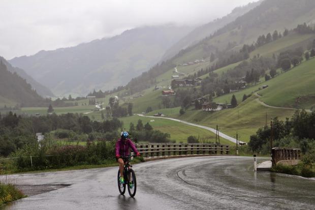 sport bicikli Földön