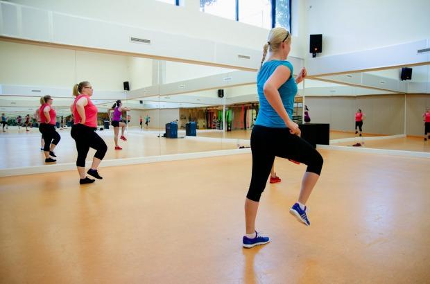 sport tánc ugrálás Földön