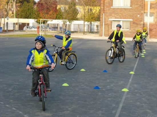 Bringaakadémia kerékpáros oktatás
