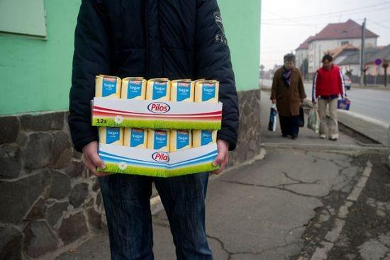 Tavasszal Szlovákiába is jártak a magyar cukrot venni Forrás: [origo] - Magócsi Márton