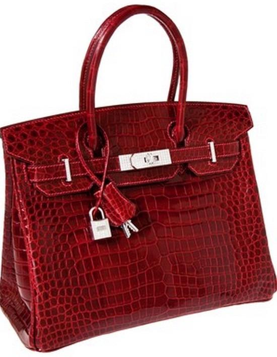 8d1929b57f85 Minden idők legdrágább árverezésen elkelt táskája lett a minap az a Birkin,  melyért valaki egészen pontosan 203 ezer 150 dollárt fizetett ki egy  dallasi ...
