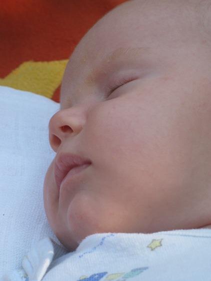 mennyit mozog a baba szülés előtt